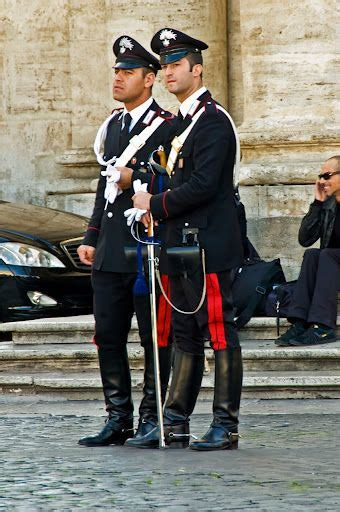 carabinieri, Italy (The best looking policemen and women in the world!) | 制服