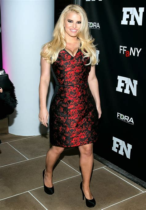 Sports Scandal: Jessica Simpson shows pictures of slim body